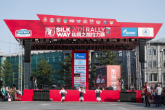 Pre-podium show during the Silk Way Rally 2021's start podium ceremony in Omsk, Russia on July 1, 2021 - Photo Frédéric Le Floc'h / DPPI
