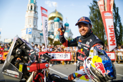 Walkner Matthias (aut), Red Bull KTM Factory Racing, KTM 450 Rally Factory Replica, portrait during the Silk Way Rally 2021's start podium ceremony in Omsk, Russia on July 1, 2021 - Photo Frédéric Le Floc'h / DPPI